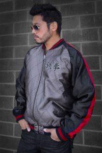 """Bandai Namco ingresa en el mundo de la alta costura con la prenda """"Heihachi Sukajan Jacket"""", desarrollada para celebrar el regreso de la saga TEKKEN a la escena de los juegos de pelea."""