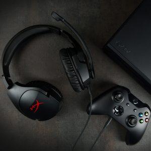 Los audífonos ligeros HyperX Cloud Stinger  ofrecen una calidad de sonido superior y una mayor comodidad.
